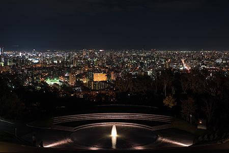 旭山記念公園の夜景 (北海道札幌市中央区) -こよなく夜景を愛する人へ