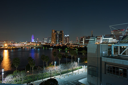 東京ビッグサイト 屋上展示場の夜景