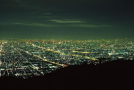 ぼくらの広場の夜景