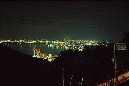 展望台前バス停の夜景