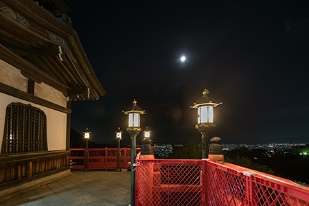 朝護孫子寺 本堂の夜景