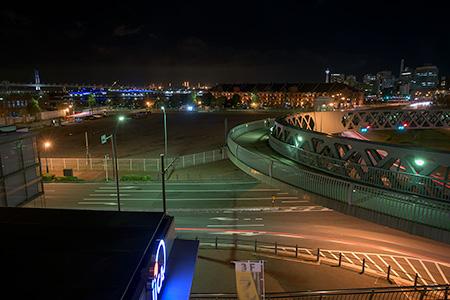 新港サークルウォークの夜景