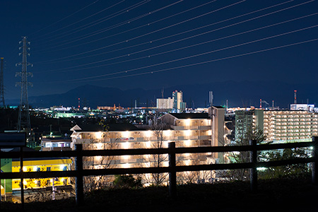 小山内裏公園 東展望広場の夜景