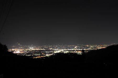 大蔵経寺山 三ツ石地区の夜景