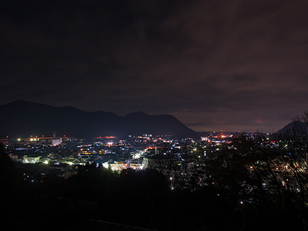 童子山公園の夜景