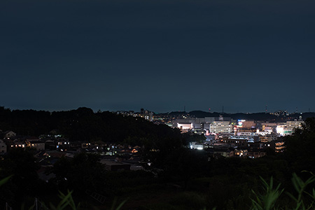 東鴨居中学校裏の夜景