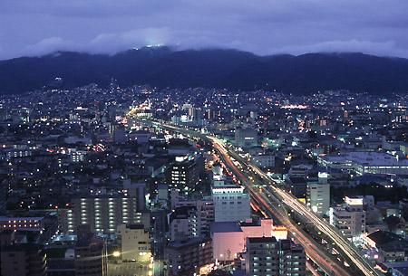 東大阪市役所 展望ロビーの夜景
