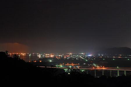 ハワイ風土記館の夜景