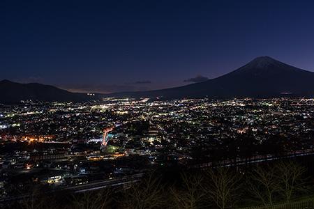 新倉山浅間公園の夜景