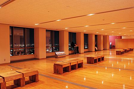 群馬県庁 展望ホールの夜景