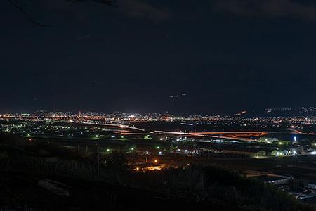 波場公園の夜景