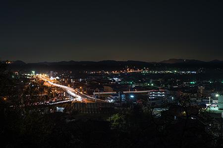 八幡山の夜景