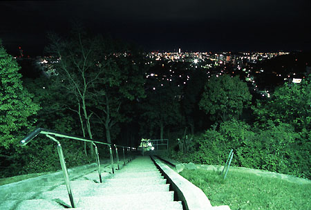 男山配水池公園の夜景