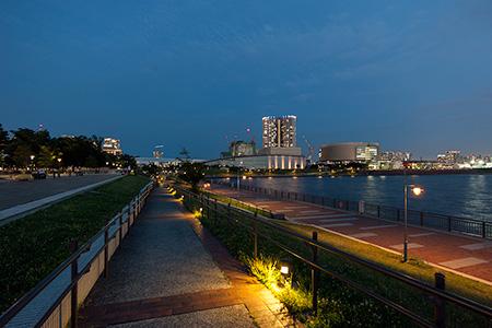 春海橋公園の夜景