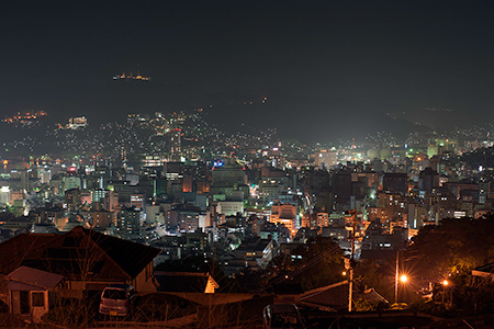 ヘイフリ坂山頂付近の夜景
