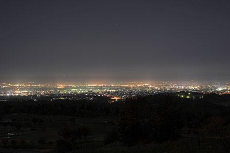 東山ふれあい農業公園の夜景
