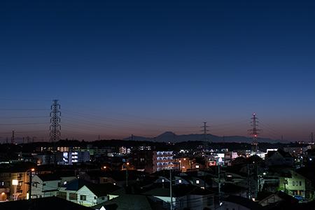 日吉本町5丁目 鳥居の夜景