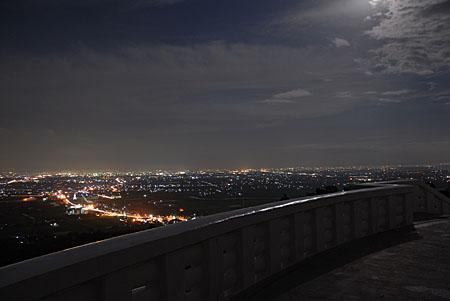 肥前仏舎利塔の夜景