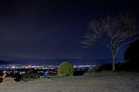 報国忠魂之碑の夜景
