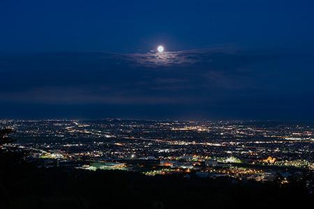夜景100選「二上山」