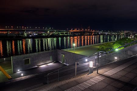兵庫県立美術館の夜景