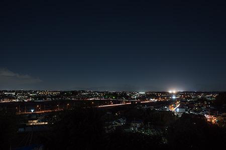 稲荷前古墳の夜景