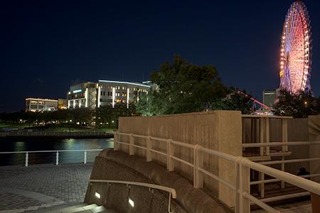 ヨコハマ グランド インターコンチネンタルホテル前の夜景