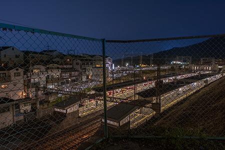 石切駅北階段の夜景