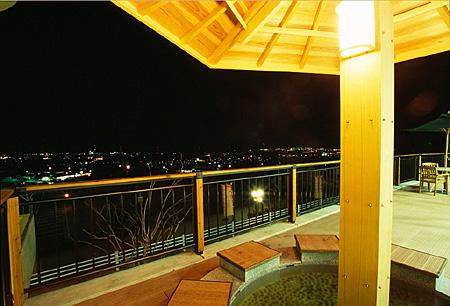 石鎚山ハイウエイオアシスの夜景