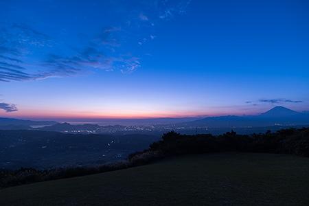滝知山展望台フライトエリア 伊豆スカイラインの夜景