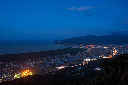 鏡山の夜景