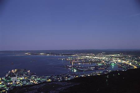 稚内公園 開基百年記念塔の夜景
