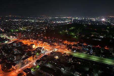 霞城セントラル 展望ロビーの夜景