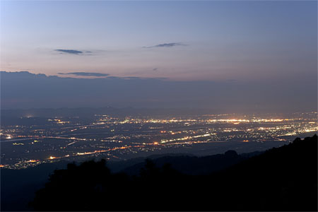 金倉山休憩展望台の夜景