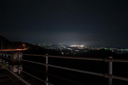 川辺の夜景