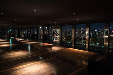 京阪シティモール 8階レストルームの夜景