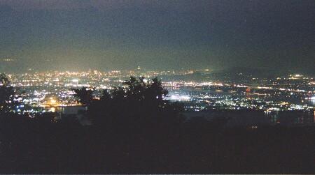 金甲山の夜景