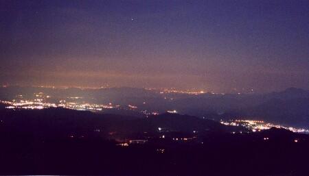 霧降高原キスゲ平駐車場の夜景