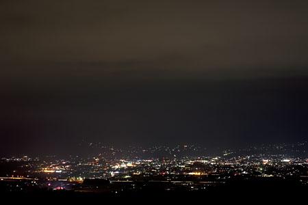 古城公園 あかつきの塔の夜景