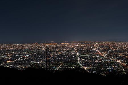 パノラマ駐車場 信貴生駒スカイラインの夜景