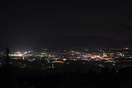 腰岳中腹の夜景