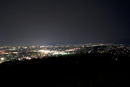 弘法山古墳の夜景