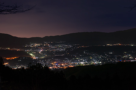 国城神社の夜景