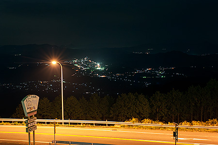 国見湖畔公園の夜景