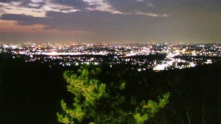 鞍ヶ池公園展望台の夜景