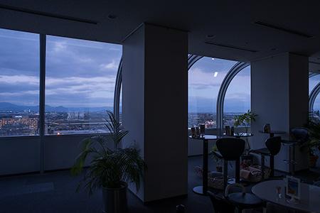久留米市役所 展望ロビーの夜景