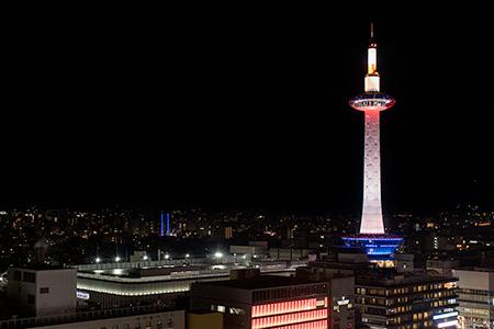 京都駅 空中広場の夜景