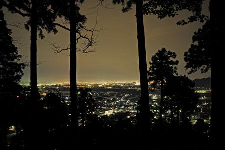 槇山城趾の夜景