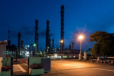 丸善石油化学の夜景