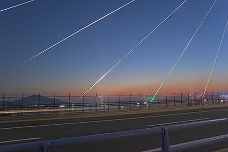 女神大橋(ビーナスウイング) 遊歩道の夜景